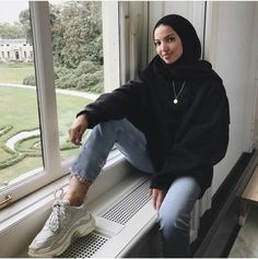 Photo 32 super Ideen Mode Hijab Outfits Muslime Wholesale Lingerie and Online Party wear Business Ar Hijab Casual, Modest Fashion Hijab, Modern Hijab Fashion, Street Hijab Fashion, Muslim Fashion, Casual Outfits, Fashion Outfits, Hijab Fashion Summer, Modesty Fashion