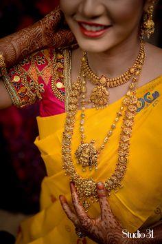 Indian Bridal Jewelry Sets, Wedding Jewelry Sets, Bridal Jewellery, Wedding Shoes, Wedding Bands, Gold Bangles Design, Gold Jewellery Design, Bead Jewellery, Gold Temple Jewellery