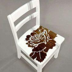 Pintura decorativa em  cadeiras