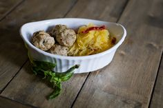 Gluten-Free Basil Pesto Turkey Meatballs - loricoxfitness.com quick gluten-free meals