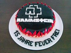 Rammstein logo taart ( door Nicole v H. Johnny Ringo, Fondant, Food And Drink, Birthday Cake, Desserts, Kiss, Cakes, Band, Logo