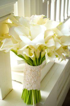 Slightly bigger but still simple: Calla Lilly Bouquet