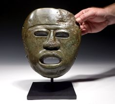 PRE-COLUMBIAN MASK CARVED SERPENTINE JADE STONE MEZCALA CHONTAL ART