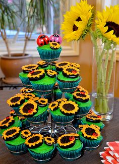 These make me think of my Momma, @Ky Wallace Adams!  She loves sunflowers.