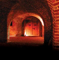 Ghost & Dungeon Walking Tour.  Are you freaking kidding me?!  DEFINITELY forcing my husband to do this with me!