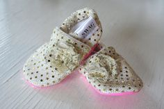 SWAG baby booties girls Slippers Crib Shoes Infant newborn Soft Soled Shoes Sparkly Gold Sequins Flower non slip shower gift shimmer
