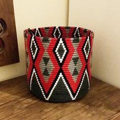 Ravelry: Project Gallery for Triforce-iltalaukku pattern by Molla Mills Mochila Crochet, Crochet Tote, Crochet Purses, Wiggly Crochet, Tapestry Crochet Patterns, Crochet Decoration, Tapestry Bag, Knitted Bags, Yarn Crafts