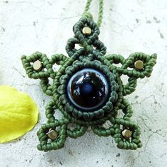 The necklace is can sliding to Necklace length: Size of mm. Macrame Necklace, Macrame Jewelry, Pendant Necklace, Macrame Art, Macrame Projects, Mac Stone, Homemade Necklaces, Stone Wrapping, Macrame Tutorial