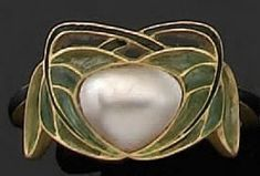 René Lalique - 1900 - Mother-of-Pearl Ring with gold and enamel.