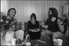 Pete Townshend (The Who) and Jerry Garcia (Grateful Dead) - another b/n photo Music Maniac, Mickey Hart, Dead Pictures, Bob Weir, Pete Townshend, Forever Grateful, Grateful Dead, Jimi Hendrix, Great Friends