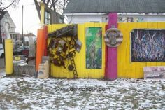 Yellow Fence – Heidelberg Project