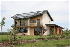 Près de Besançon, un couple a fait construire une maison basse consommation qui est devenue l'un des projets les plus exemplaires au niveau régional. Retour sur la construction et les deux hivers passés dans cette maison écologique.