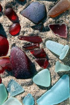 Susen I think we would beat each other to get this sea glass! Sea Glass Beach, Sea Glass Art, Beach Stones, Sea Glass Jewelry, Glass Floats, Sea Glass Crafts, Beach Crafts, Sea Shells, Beautiful