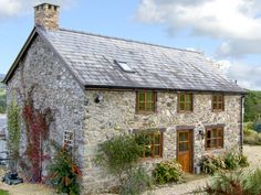 View Point Cottage, Pedairffordd, North Wales and Snowdonia, Wales, Sleeps 4, Bedrooms 2, Pet Friendly Holiday Cottage.