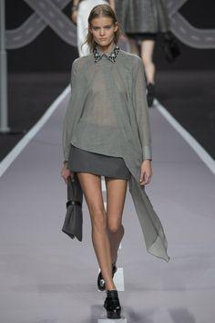 градации серого:юбка и блуза