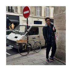 Olivier Granet in streetwear during Paris Fashion Week 2015.