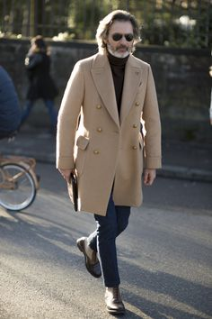 Style as I find it. My work has been featured by British GQ, Vogue Online, The Rake,. Street Style Inspiration, Best Street Style, Mode Mantel, Mens Attire, Camel Coat, Men Looks, Mens Clothing Styles, Stylish Men, Menswear