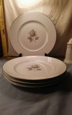 Towne Fine China Porzeffan Bavaria 4  Dinner Plates Moonlight Rose #22985   #TowneFineChina