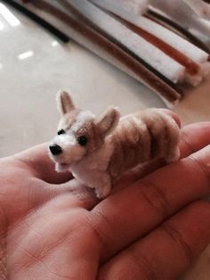Pipe cleaner corgi How? Animal Crafts For Kids, Dog Crafts, Cute Crafts, Crafts To Make, Easy Crafts, Pipe Cleaner Projects, Pipe Cleaner Art, Pipe Cleaner Animals, Pipe Cleaners