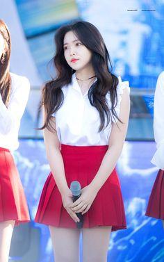 red velvet, yeri, and kim yerim image Seulgi, Red Velvet イェリ, Red Velvet Irene, Kpop Girl Groups, Kpop Girls, Taemin, Korean Girl, Asian Girl, Red Velet
