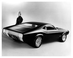 1970 Ford Mustang Milano concept., But doesn't it look like the Mopar Cuda/Challenger down the side?