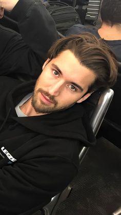 Medium Length Hair Men, Why Im Single, David Dobrik, Vlog Squad, Sore Eyes, Hey Man, Summer Boy, Celebs, Celebrities