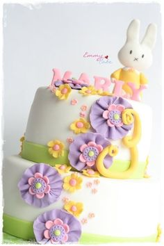 bunny cake - by emmylovescake @ CakesDecor.com - cake decorating website