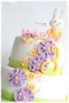 bunny cake - by emmylovescake @ CakesDecor.com - cake decorating website