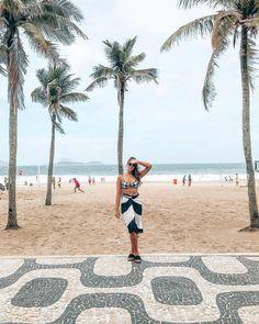"""1,321 curtidas, 8 comentários - Ísis Martins ⚡️ (@isismartins) no Instagram: """"~ com um dos meus biquínis mais lindos , 🖤 . // @sofiabyvix #sofiagirl"""""""