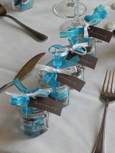 Petit pot en verre pour ces #cadeauxinvites au #manoirtourieux #mariage