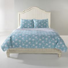 Panama Jack Palm Beach Cotton Quilt Set ($240) ❤ liked on Polyvore featuring home, bed & bath, bedding, quilts, king shams, king size pillow shams, twin bedding, king quilt set and cotton shams