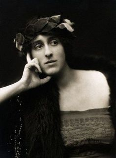 Vita Sackville-West, ancient style,1916