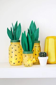 Let's Have A Pineapple Party! {Decorations} – B. Lovely Events 퐕퐚퐥퐞퐧퐭퐢퐧퐚 敖 moonvalentina_ S u m m e r ☆ Pineapple Decoration made of old marmelade glasses (DIY) Diy Crafts For Adults, Summer Crafts For Kids, Fun Crafts, Summer Diy, Martha Stewart Weddings, Pineapple Lights, Recycled Jars, Cute Fruit, Diy Décoration