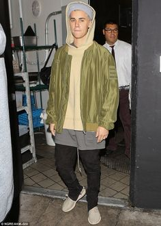 formerly textswithbieber — bieber-news:   January 28: Justin seen out in Los...