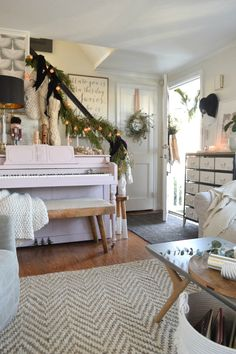 Christmas Ideas for Small Spaces- Small House Ideas- Cape Style Home #christmasdecor #christmasdecorations #holidaydecor