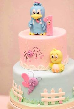 Ideas para cumpleaños temática Gallina Pintadita Colorful Candy, Candy Colors, Girl First Birthday, Birthday Cake, Jungle Theme Cakes, Creative Cakes, Themed Cakes, First Birthdays, Fondant