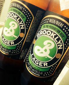 Brooklyn in Flaschenform! Ein Genuss - nicht nur für New York Liebhaber. Gebraut im Herzen Brooklyns lässt dieses feine Bier das Fernweh für ein paar Schlücke in Vergessenheit geraten. Übrigens wurde das Logo ebenfalls von Milton Glaser entworfen - genau wie das weltbekannte I LOVE NY Logo! www.loveny.de #brooklynlager #brooklyn_lager #beer #brooklyn #loveny #bier #miltonglaser #milton_glaser #iloveny