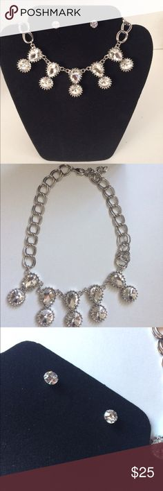 Statement Necklace Set🎄 Clear Crystals on a silver adjustable chain & Crystal stud earring. Lead compliant. Nicely pairs with any outfit. Really cute with off shoulder tops & Cute for the upcoming holiday parties!💞NWOT from wholesaler Jewelry Necklaces