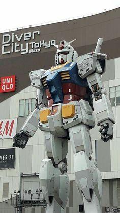 Gundam, in Odaiba Japan