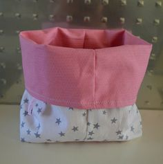 Lot de 2 panières, corbeilles ou vide-poches rose étoilé : Meubles et rangements par le-monde-d-anabzou