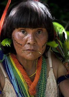 Una mujer de los Yanomami. / REUTERS. Los Yanomami, vía WhatsApp | Internacional | EL PAÍS