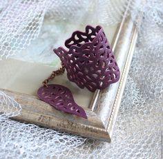 Купить Кожаный браслет Сиреневое кружево - фиолетовый, сиреневый, Елена Кожевникова, кожаный браслет