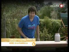 Ariel a la Parrilla Ribs con Barbacoa y Pan Catalan con ensalada - YouTube Ariel Rodriguez Palacios, Salsa Barbacoa, Pizza, Chicken, Youtube, Recipes, Salads, Cooking, Rezepte
