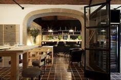 Pilar Líbano rehabilitates Santana restaurant: young spirit in a classical house of Sarriá.