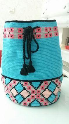 Bonito Crochet Tote, Crochet Purses, Crochet Crafts, Crochet Stitches, Knit Crochet, Crochet Patterns, Boho Tapestry, Tapestry Bag, Tapestry Crochet