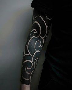 tattoo designs ideas männer männer ideen old school quotes sketches Cloud Tattoo Sleeve, Best Sleeve Tattoos, Arm Tattoos, Tattoo Sleeve Designs, Body Art Tattoos, Japanese Sleeve Tattoos, Black Sleeve Tattoo, Tattoo Hand, Irezumi Tattoos