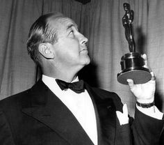 """Broderick Crawford admires his Best Actor Oscar for """"All the King's Men""""  1949"""