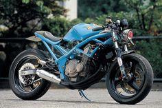 Suzuki Bandit, bobber, cafe racer, custom, azul, dogsville.es