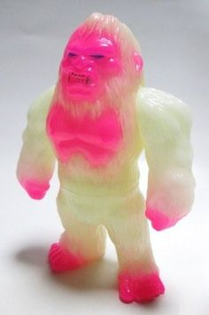 Bigfoot - GID Lulubell Exclusive figure, produced by Iwa Japan. Front view.