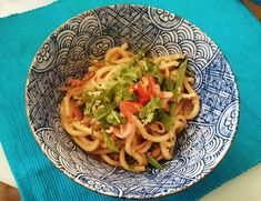 Ginger chicken udon (Wagamama at home! Garlic Ginger Chicken, Red Curry Chicken, Chicken Udon Noodles, Wagamama Recipe, Japanese Dishes, Asian Cooking, Asian Recipes, Asian Foods, Chinese Recipes